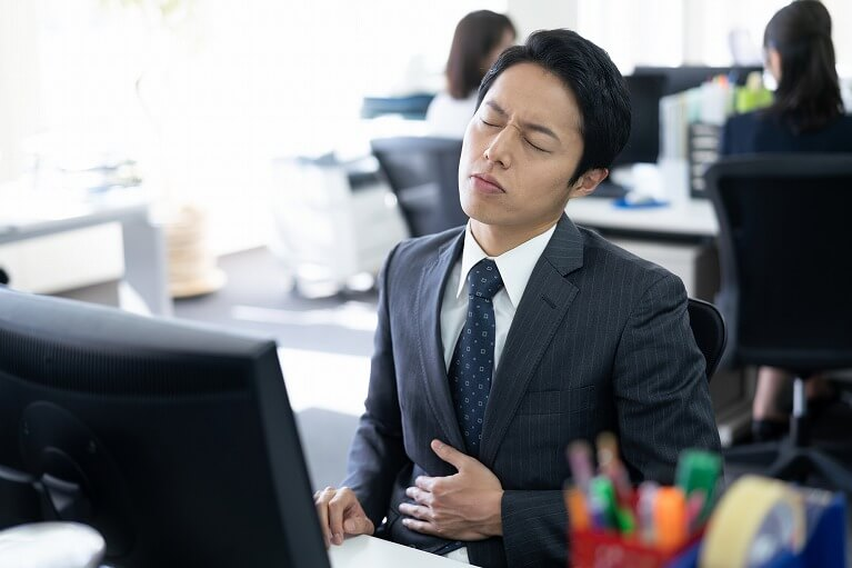 口の中の酸っぱさ、胸焼けや胃もたれをもたらす胃酸過多とは